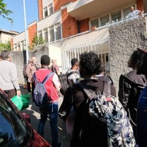 MIgranti a Multedo, la Genova solidale insorge: un esposto in Prefettura e una festa di benvenuto