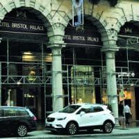 Genova, blitz della Finanza al Bristol: nel mirino le cene gratis del funzionario
