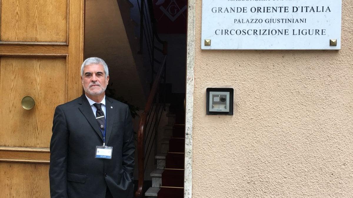 I massoni aprono le porte della casa del grande oriente ai for Casa artigiana progetta il maestro del primo piano
