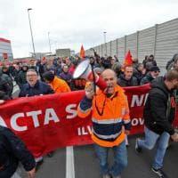 Ilva Genova, i lavoratori in corteo