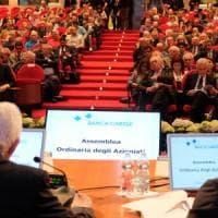 Carige, a Genova l'ultima trattativa per la salvezza. Malacalza, scontro