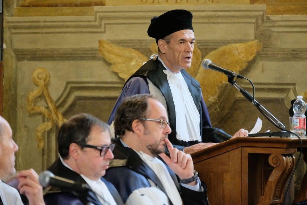 """Laurea honoris causa  a Cottarelli: """"Su Carige, lasciar lavorare autorità supervisione"""""""