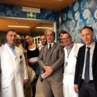 Belen in visita all'ospedale Gaslini