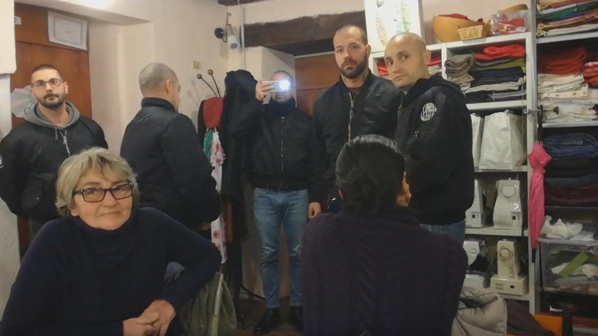Blitz neofascista a como perquisizioni anche a genova for Quattro ristoranti genova