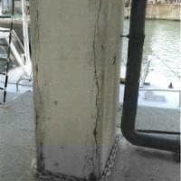 Torre Piloti, l'allarme per crepe e cemento sgretolato un anno prima del