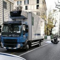 Genova, in scooter contro camion, morta donna di 40 anni