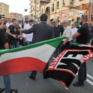 Blitz neofascista a Savona, striscioni a 'moschea' e Anpi