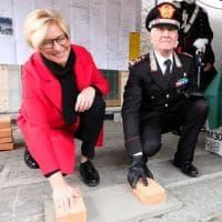 La prima pietra del nuovo asilo nella caserma dei carabinieri