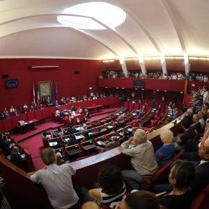Genova, piazze vietate: il consiglio comunale si divide