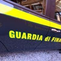 Traffico di valuta,  il cash dog della Finanza intercetta 26.500 euro