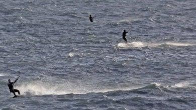 A Sturla si vola sul windsurf