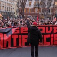 Genova, concluso corteo antifascista sotto la sede di CasaPound