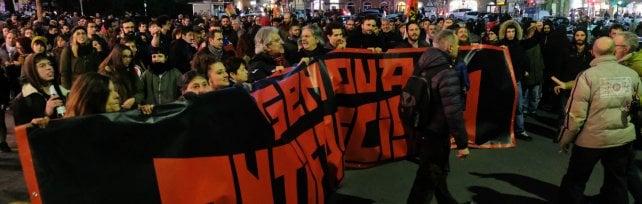 Genova, concluso presidio antifascista,  chiusa la strada della sede di CasaPound  FOTO   di ANDREA LEONI e STEFANO ORIGONE