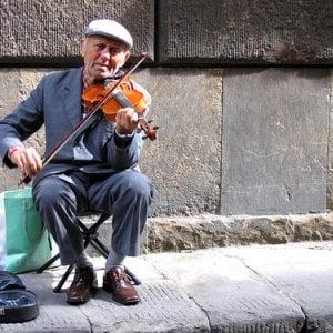 """Sanremo, vittoria degli artisti di strada, il Tar: """"Non serve il conservatorio"""""""