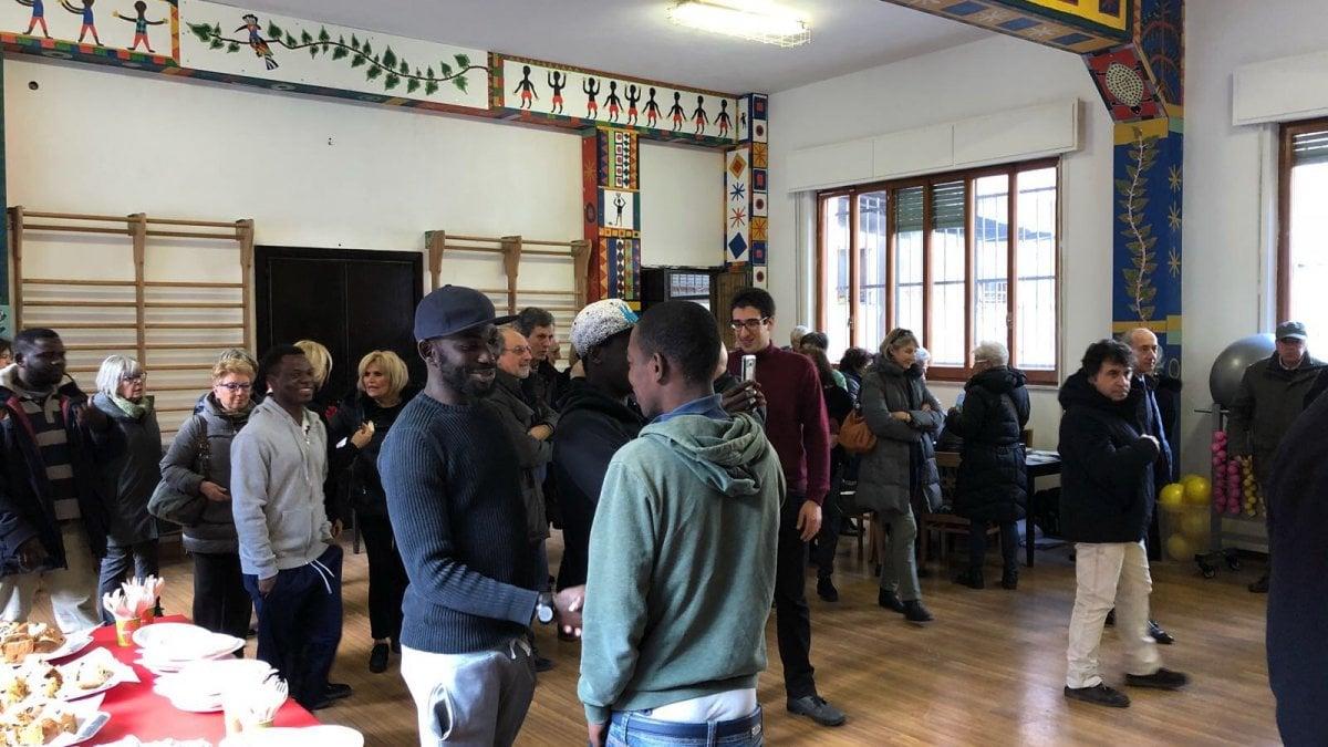 A quezzi la palestra per gli anziani nel centro migranti for Piano casa palestra