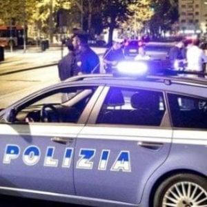Ladro ruba sulle auto a Sestri, una donna lo fa arrestare