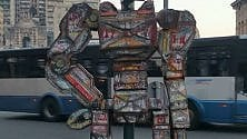 Street art a Brignole:  il semaforo diventa un robot