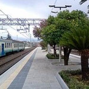 Sestri Levante, tenta di attraversare i binari, ucciso dal treno