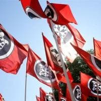 Antifascista accoltellato a Genova, indagati tre militanti di CasaPound
