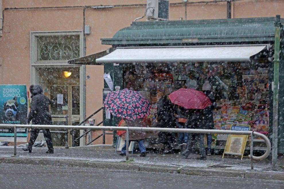 Genova, la nevicata a Sampierdarena