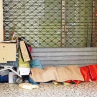 Nuove povertà: politica indifferente e istituzioni che si affidano al volontariato