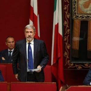 """Daspo urbano, """"Genova Che Osa"""" dona al sindaco un dossier povertà"""