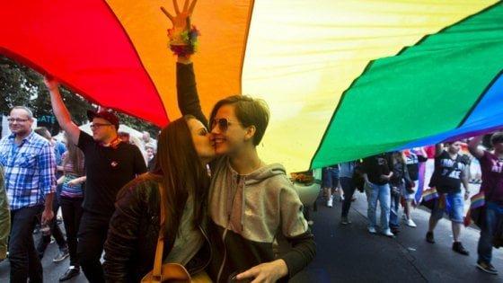 Bucci nega il patrocinio al gay pride, le opposizioni all'attacco
