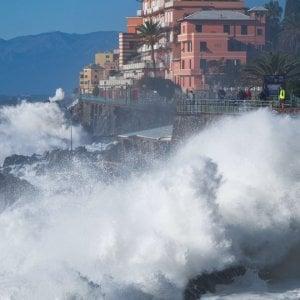Liguria, arriva la mareggiata di Pasqua