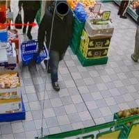 Bar e spesa in orario d'ufficio: arrestato dipendente comunale di Alassio