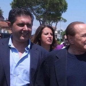 Toti a cena con Berlusconi e signore