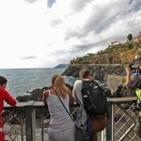 Cinque Terre, stop ai pullman, numero chiuso e tassa di cento euro