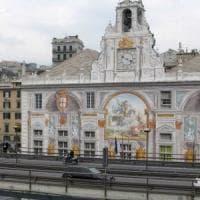 Gatto in Sopraelevata salvato dalla polizia municipale di Genova