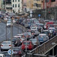 Galleria chiusa, 18 chilometri di coda la Regione Liguria attacca Autofiori