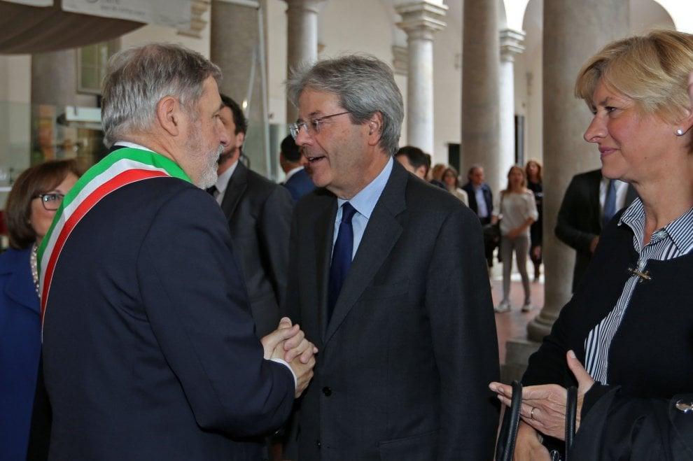 """Gentiloni a Genova: """"Finalmente nella top ten per attrarre investimenti esteri"""""""