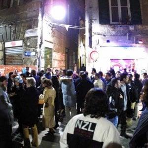 Colpisce con una bottiglia una ragazza. arrestato nel Centro Storico di Genova