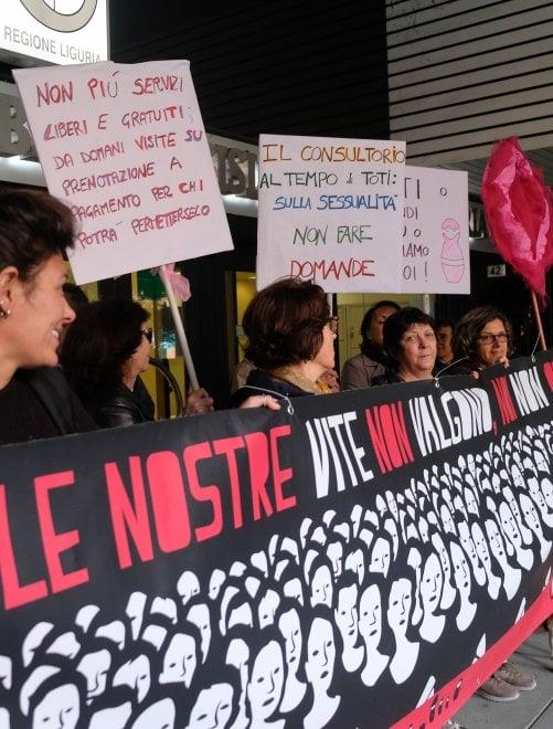 """Manifestazione in consiglio regionale: """"Salvate i consultori pubblici"""""""