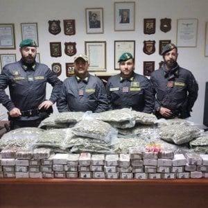 Ventimiglia, 70 chili di droga nascosti tra i lecca-lecca