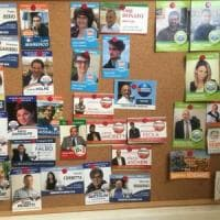 A Imperia un gruppo Facebook per scambiarsi i santini elettorali