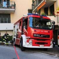 Genova, incendio in un appartamento in via Crocco: donna muore insieme ai