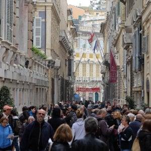 Tassa di soggiorno, il Comune di Genova contro l\'abolizione prevista ...