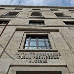 Genova, prendono la pensione sociale ed espatriano, sette denunciati