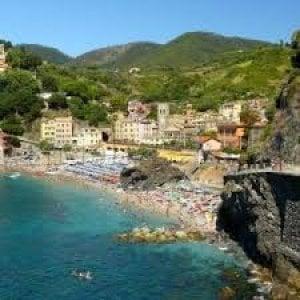 Monterosso, sanzioni per 110.000 euro ai venditori abusivi