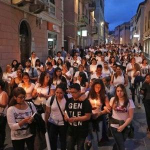 """Ragazzo ucciso: scritta contro la polizia a Genova """"Jefferson vive, polizia assassina"""","""