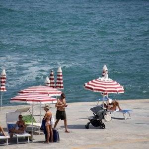 c3e3793b85 Mare in città, ombrelloni a peso d'oro - Repubblica.it