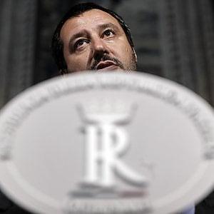 Taser i deputati liguri di forza italia salvini si for Forza italia deputati