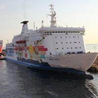 Guasto al traghetto, salta Genova-Bastia di Moby
