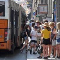 Caricamento-Voltri Il viaggio della speranza nei bus senza aria