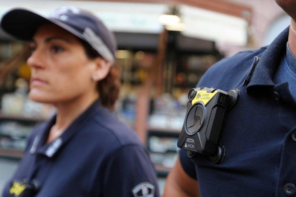 Sicurezza, le prime bodycam adottate dalla polizia locale