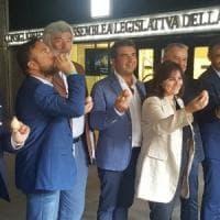Regione Liguria, la vicepresidente Viale e il gruppo della Lega con le uova