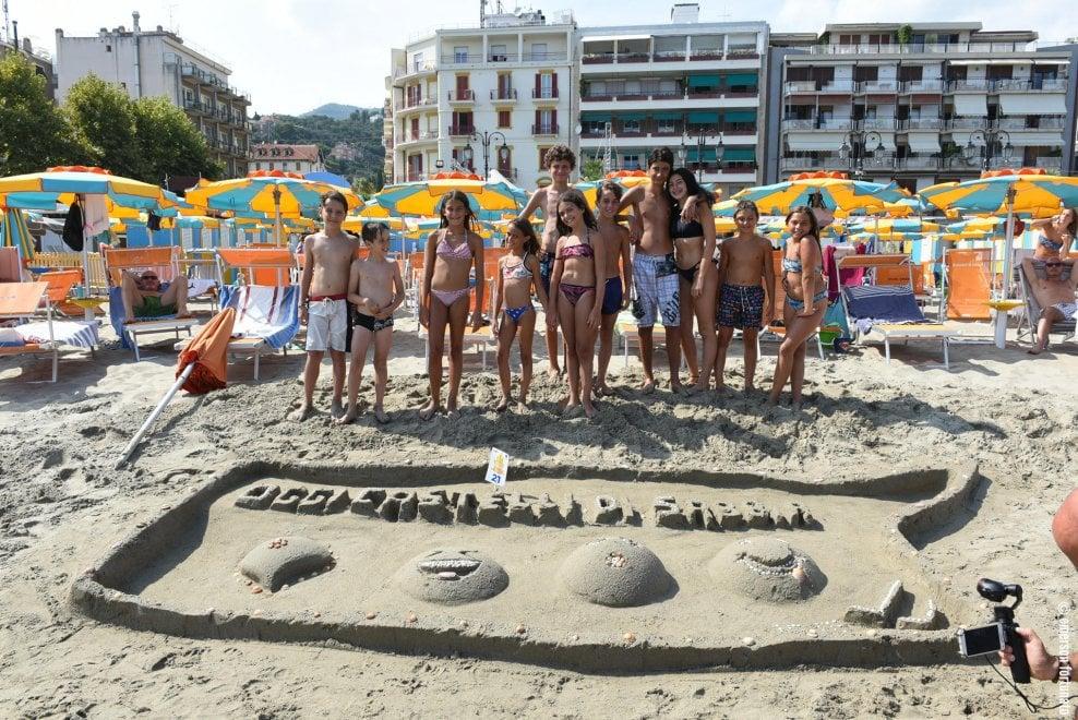 La gara dei Castelli di sabbia, vince Alassio